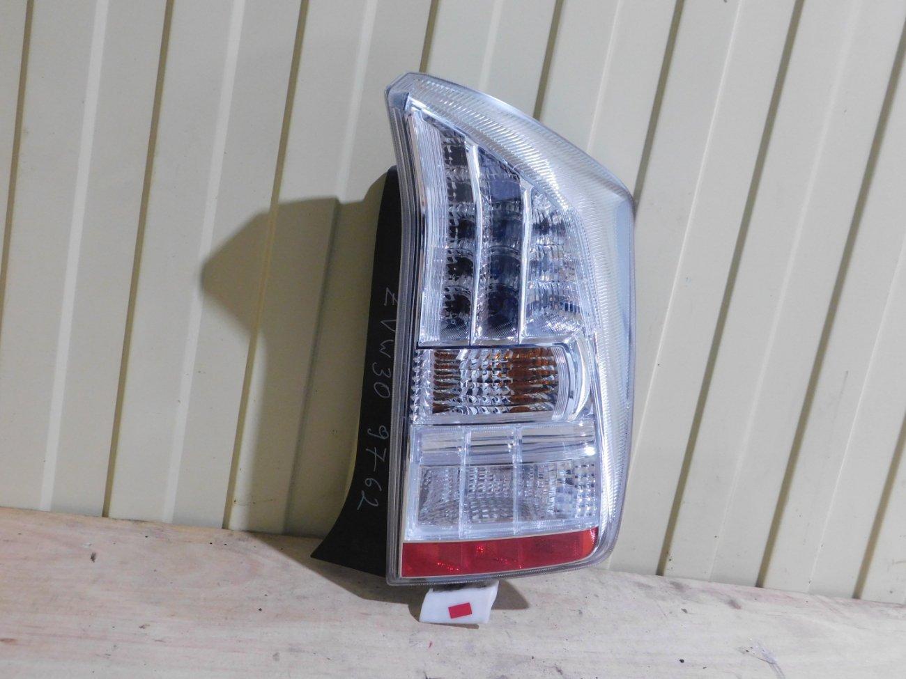 Стоп-сигнал Toyota Prius ZVW30 2ZR FXE задний правый (б/у)