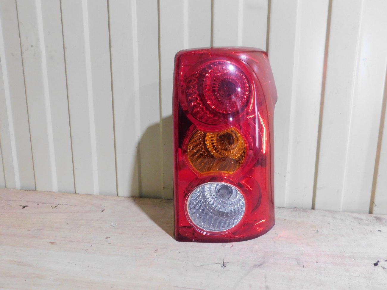 Стоп-сигнал Toyota Raum NCZ20 задний правый (б/у)