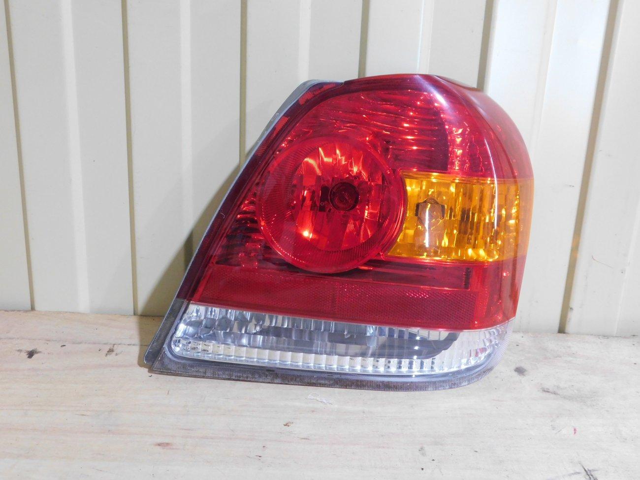 Стоп-сигнал Toyota Platz NCP12 1NZFE задний правый (б/у)