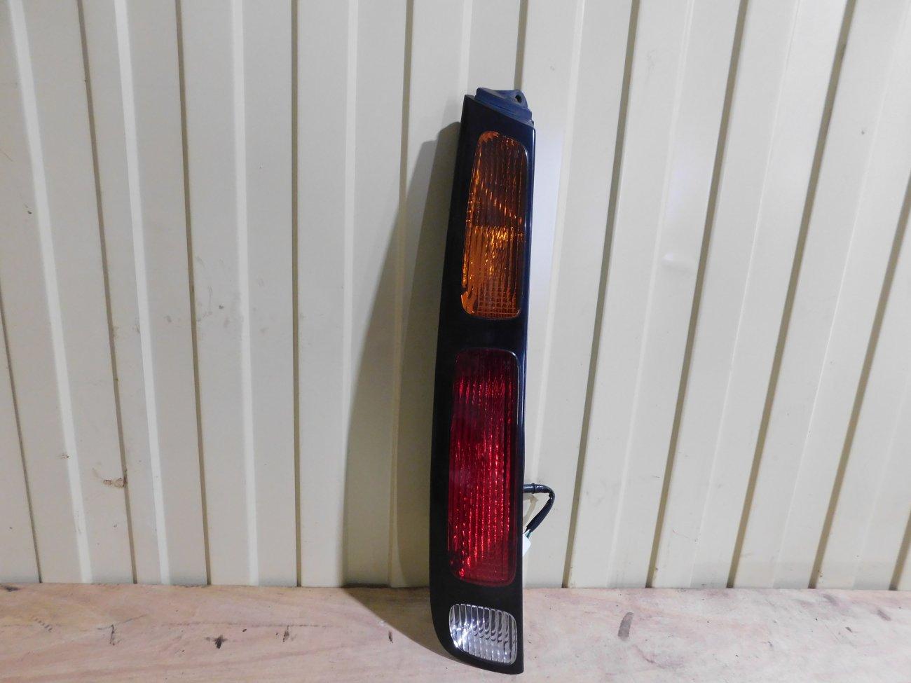 Стоп-сигнал Toyota Carib AE111 4AFE задний левый (б/у)