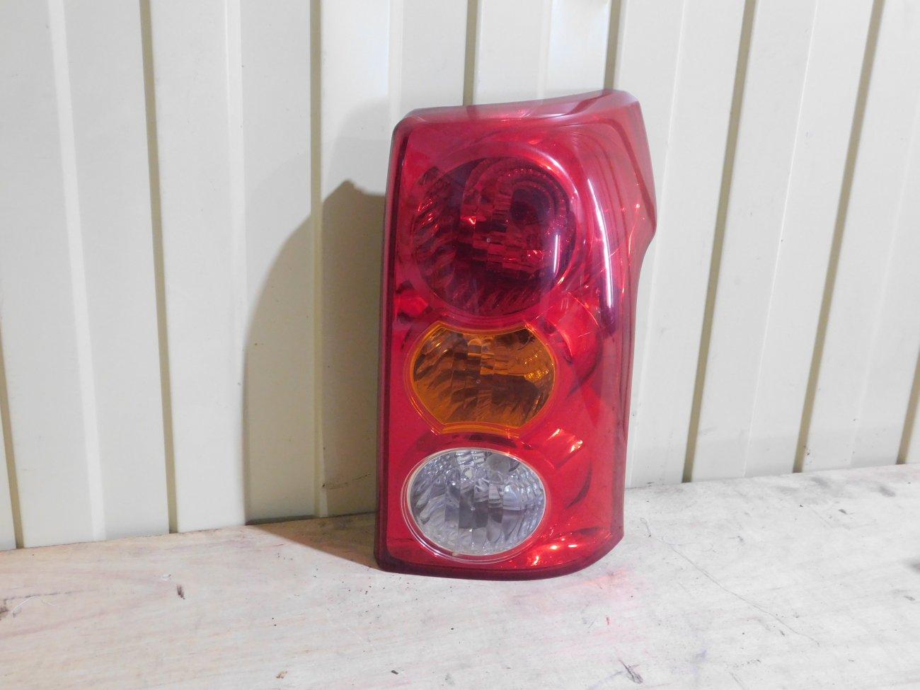 Стоп-сигнал Toyota Raum NCZ20 1NZFE задний правый (б/у)