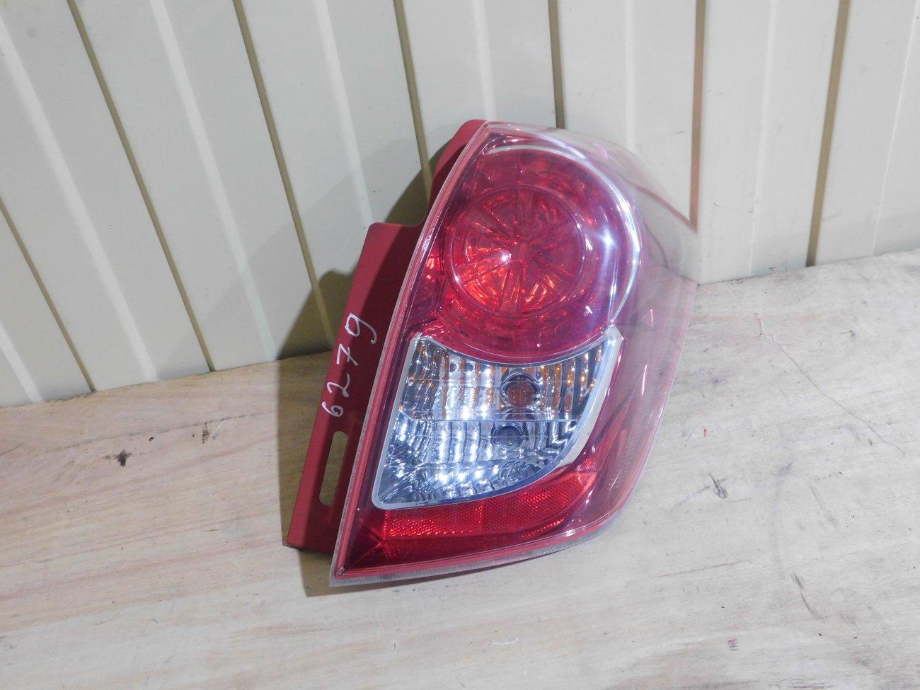 Стоп-сигнал Toyota Ractis NCP100 1NZFE задний правый (б/у)