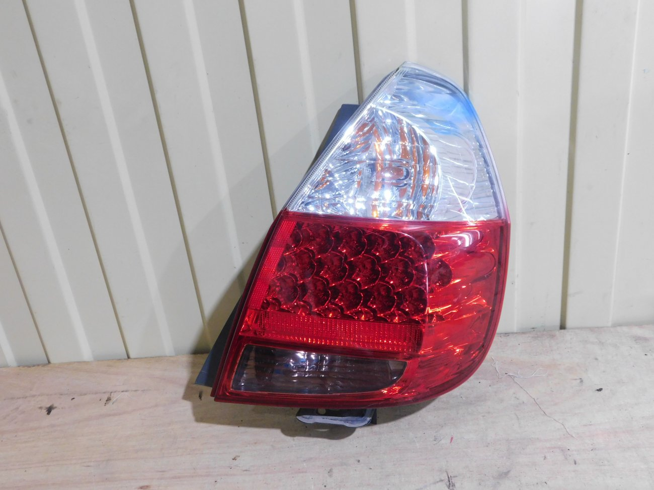 Стоп-сигнал Honda Fit GD1 L13A задний правый (б/у)