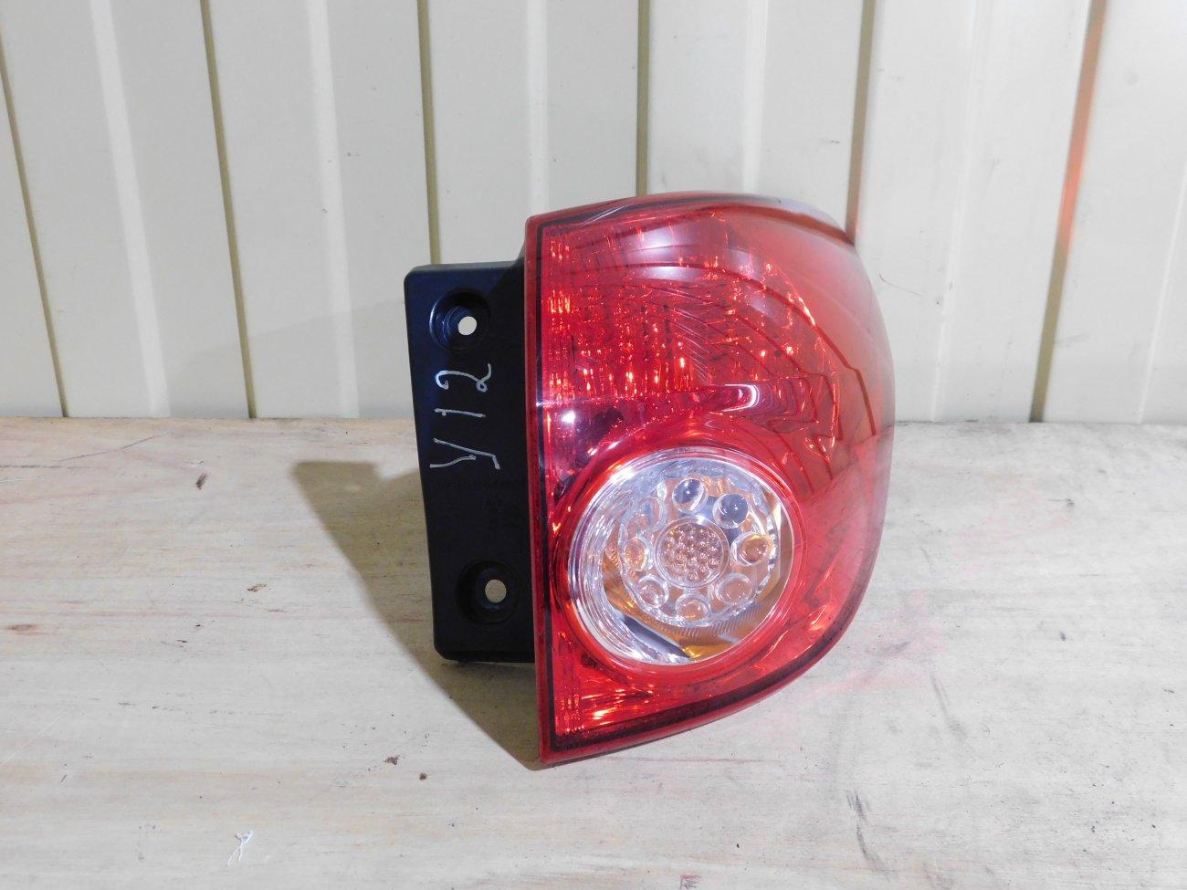 Стоп-сигнал Nissan Wingroad Y12 HR15DE задний правый (б/у)
