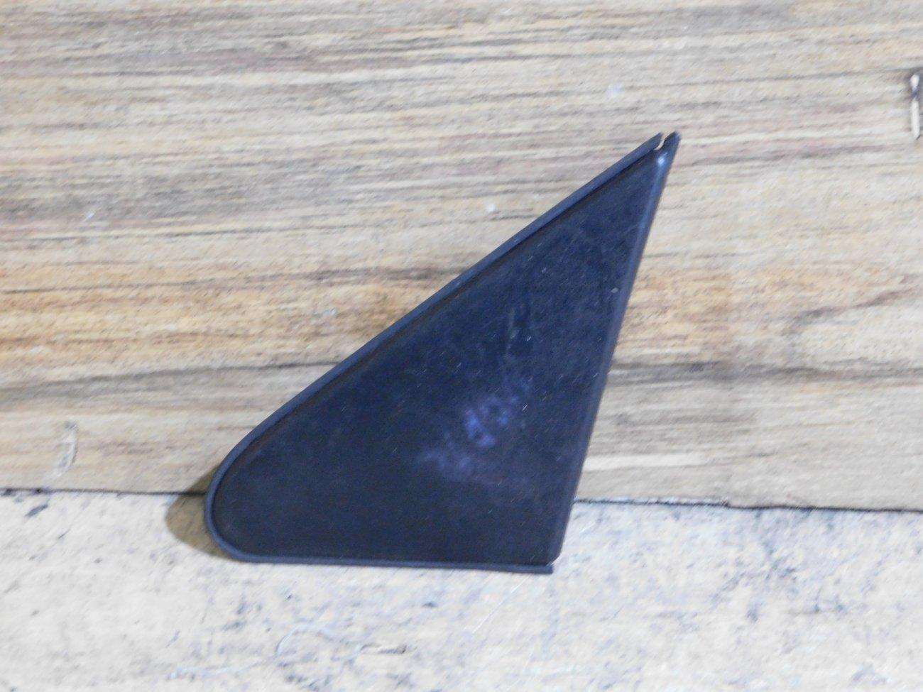 Уголок крыла Toyota Platz NCP12 1NZ-FE передний левый (б/у)