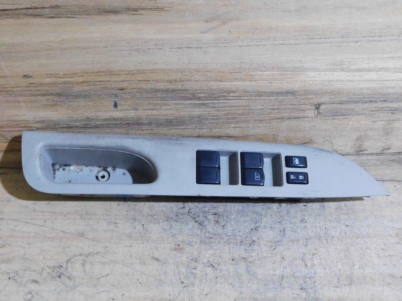 Блок упр. стеклоподьемниками Nissan March K13 передний правый (б/у)