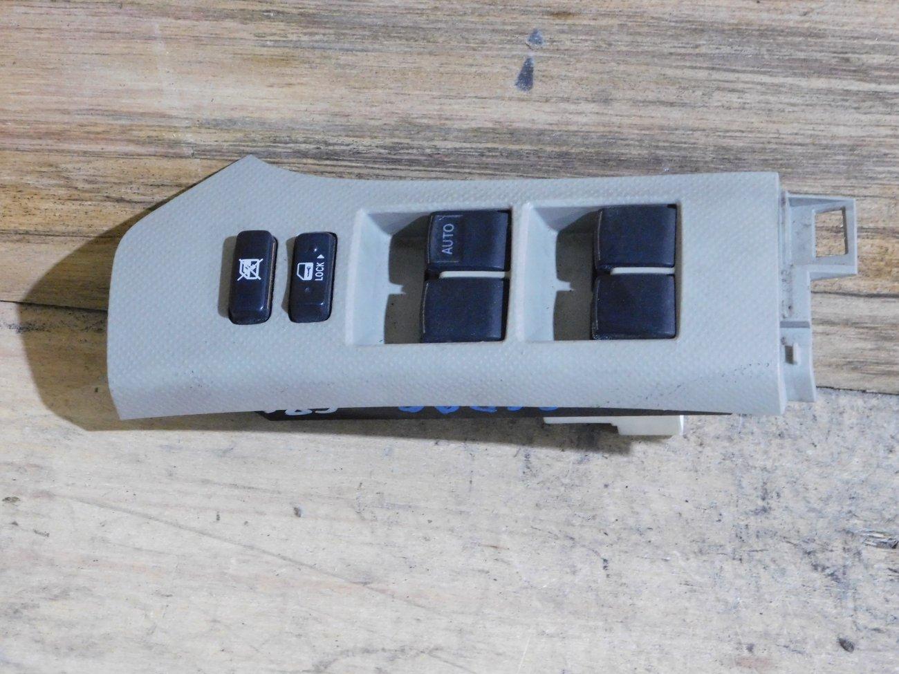 Блок упр. стеклоподьемниками Toyota Vitz SCP90 передний правый (б/у)