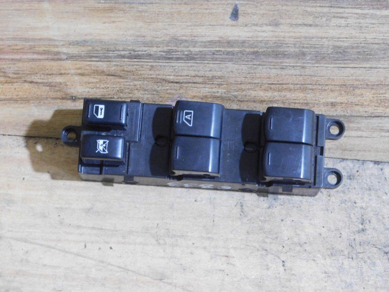Блок упр. стеклоподьемниками Nissan Wingroad Y12 передний правый (б/у)