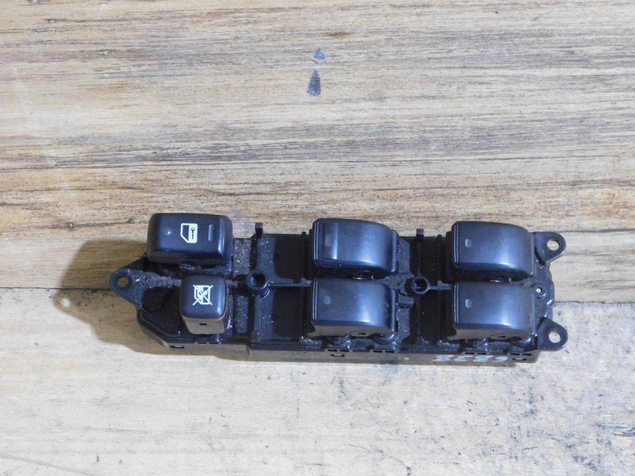 Блок упр. стеклоподьемниками Toyota Raum NCZ20 передний правый (б/у)