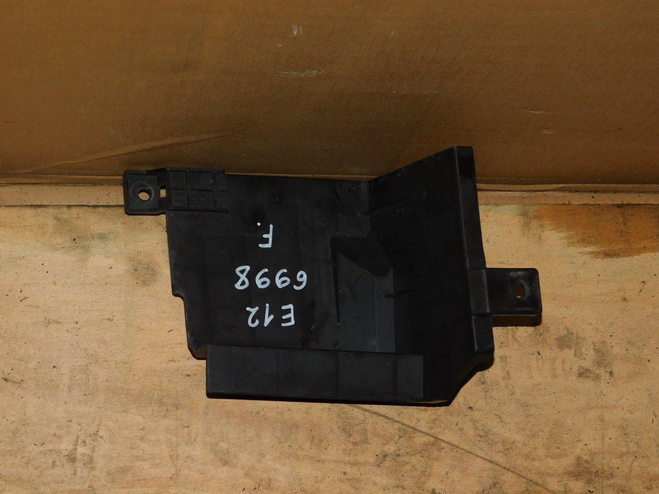 Защита радиатора Nissan Note E12 HR12DE передняя (б/у)