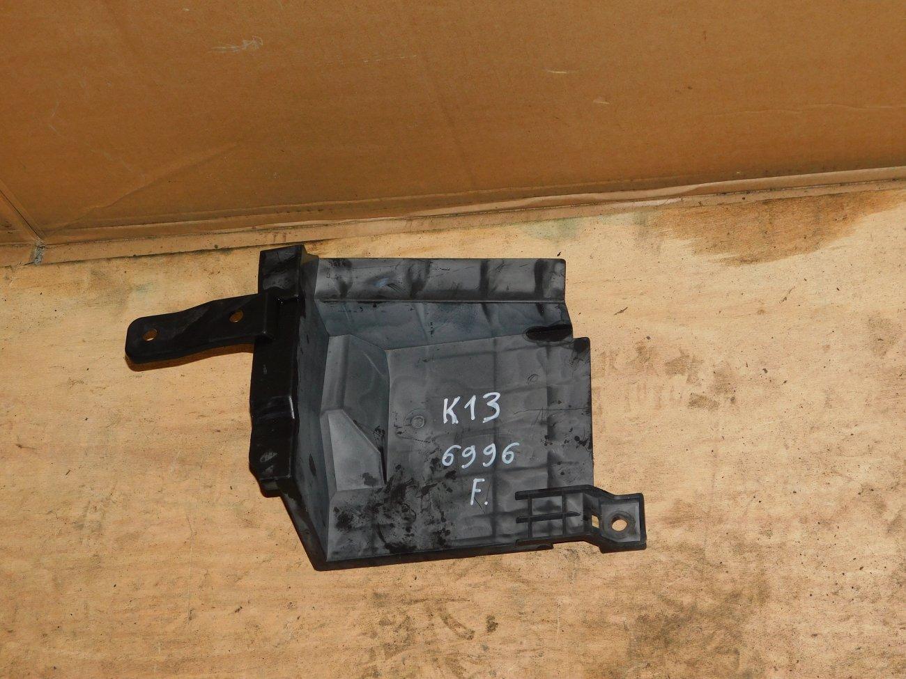 Защита радиатора Nissan March K13 HR12DE передняя (б/у)