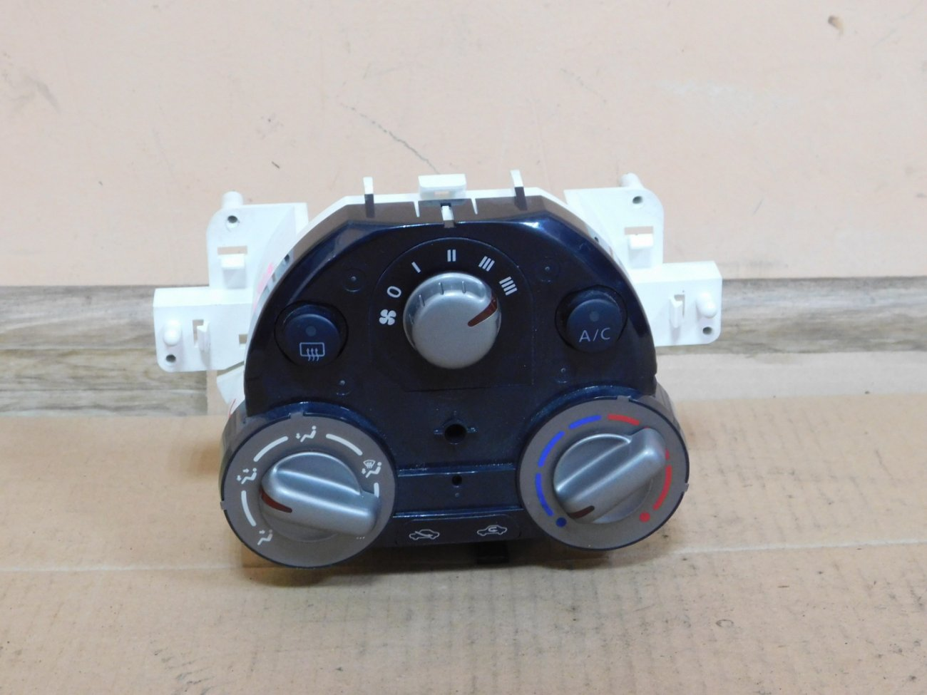 Климат-контроль Nissan March K13 HR12DE (б/у)
