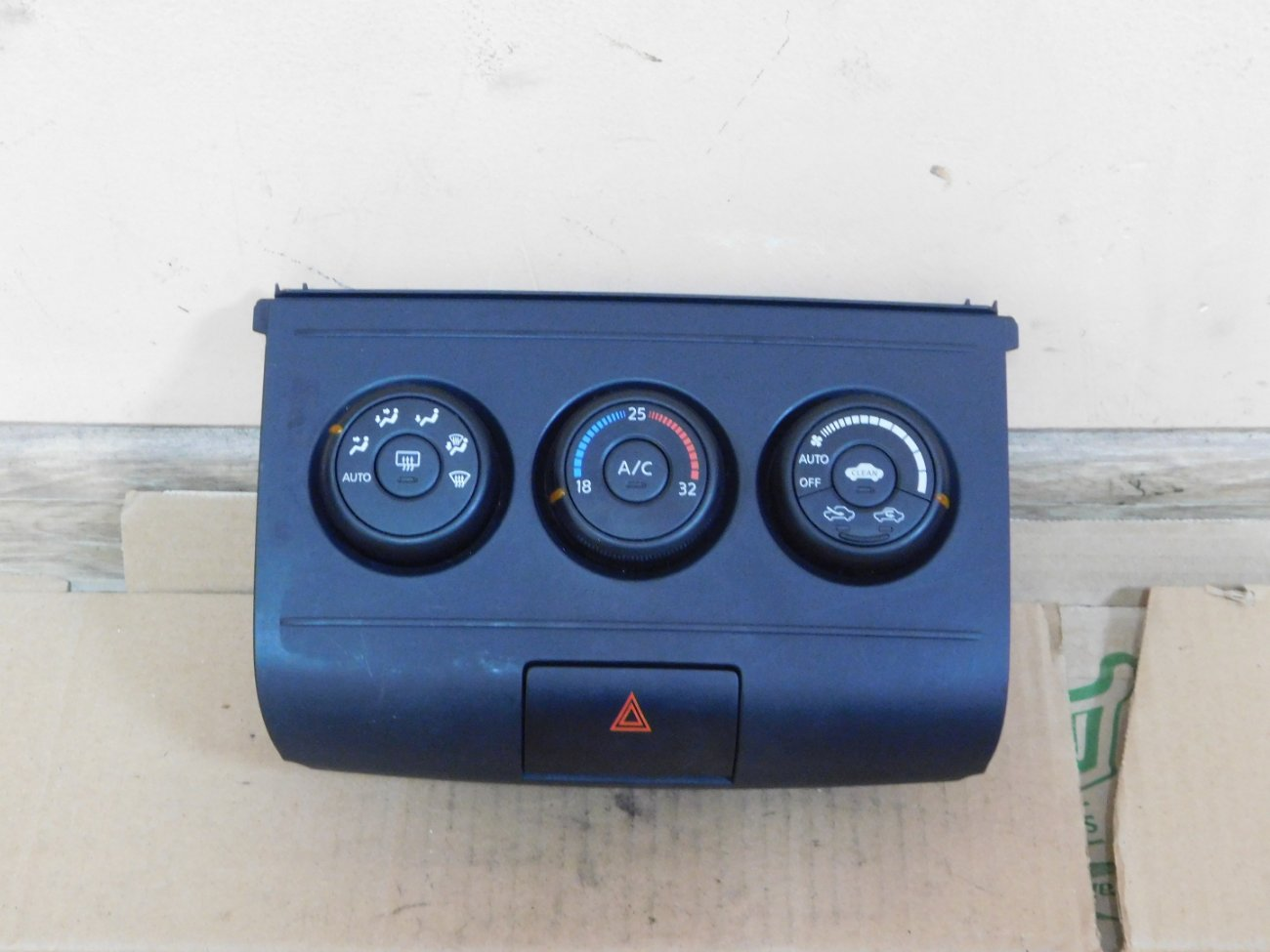 Климат-контроль Nissan Wingroad Y12 HR15DE (б/у)