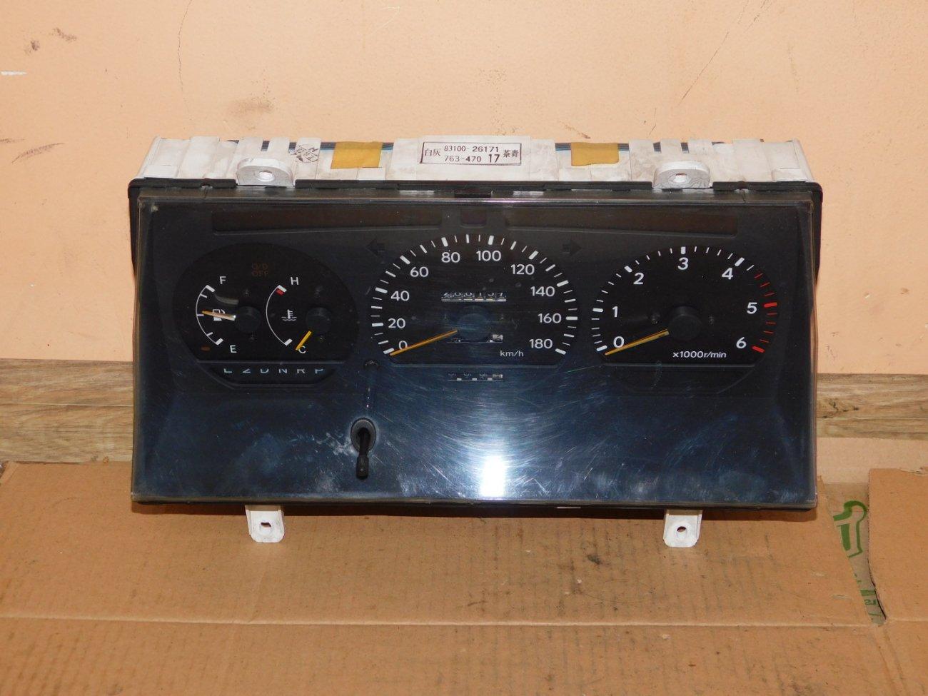 Спидометр Toyota Hiace KZH100 1KZ (б/у)