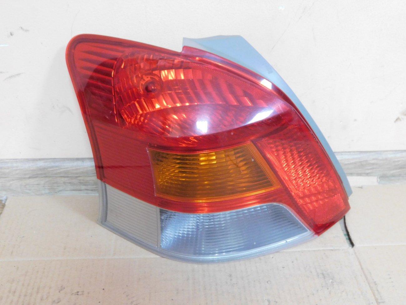Стоп-сигнал Toyota Vitz KSP90 1KR-FE левый (б/у)