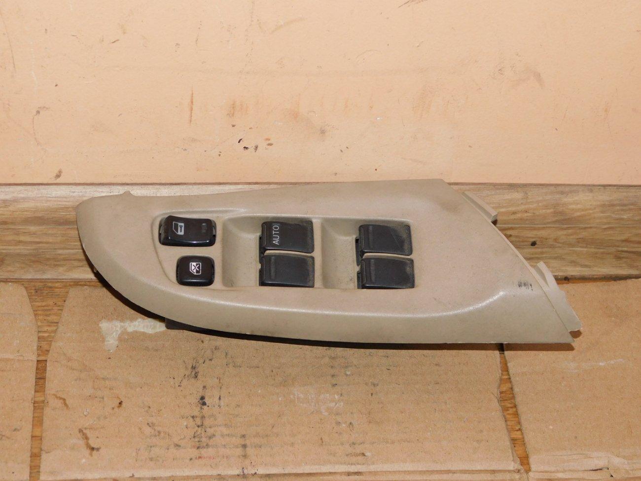 Блок управления стеклоподъемниками Nissan Bluebird Sylphy QG10 передний правый (б/у)