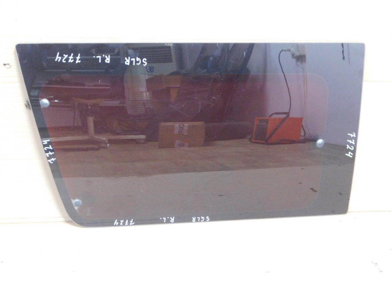 Стекло Mazda Bongo Friendee SGLR WLTE 1996 заднее левое (б/у)