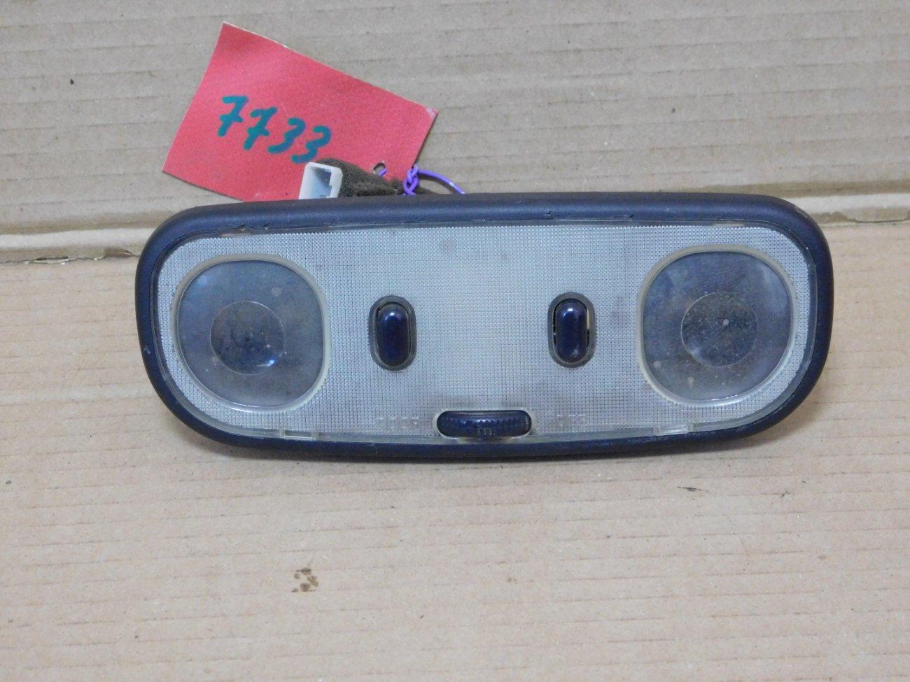 Плафон салонный Mazda Bongo Friendee SGLR WLTE 1996 передний (б/у)