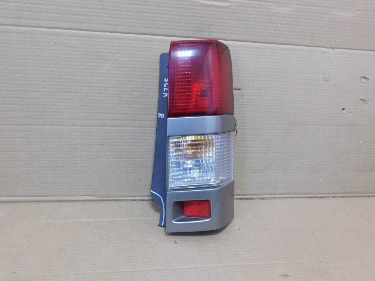 Стоп-сигнал Mazda Bongo Friendee SGLR WLTE 1996 задний правый (б/у)