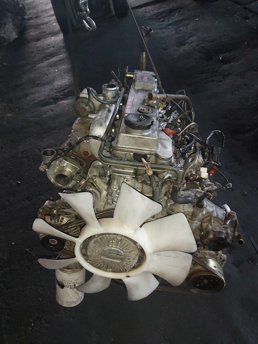 Двигатель Mitsubishi Delica PD8W.PE8W.PF8W.PE6W 4M40T (б/у)