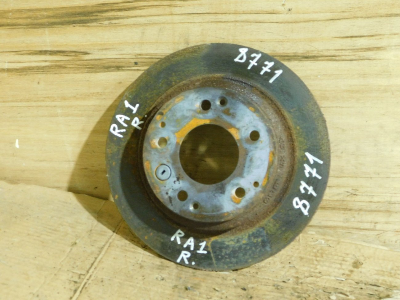 Тормозной диск Honda Accord CL7 F22B задний (б/у)