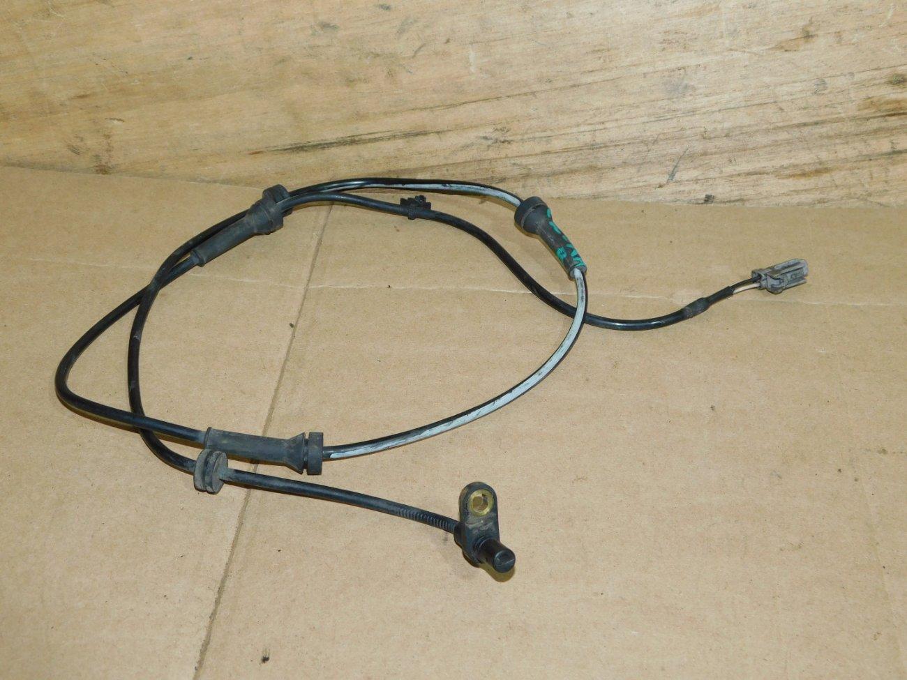 Датчик abs Nissan Serena C25 MR20DE задний правый (б/у)