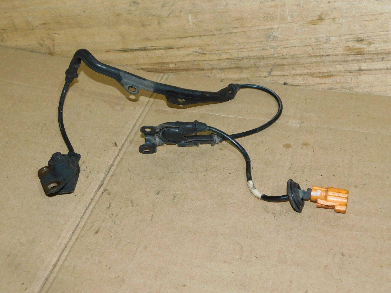 Датчик abs Honda Accord E-CD6 F22B6 передний правый (б/у)