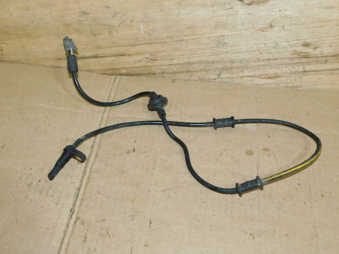 Датчик abs Subaru Legacy BP5 EJ203 передний левый (б/у)