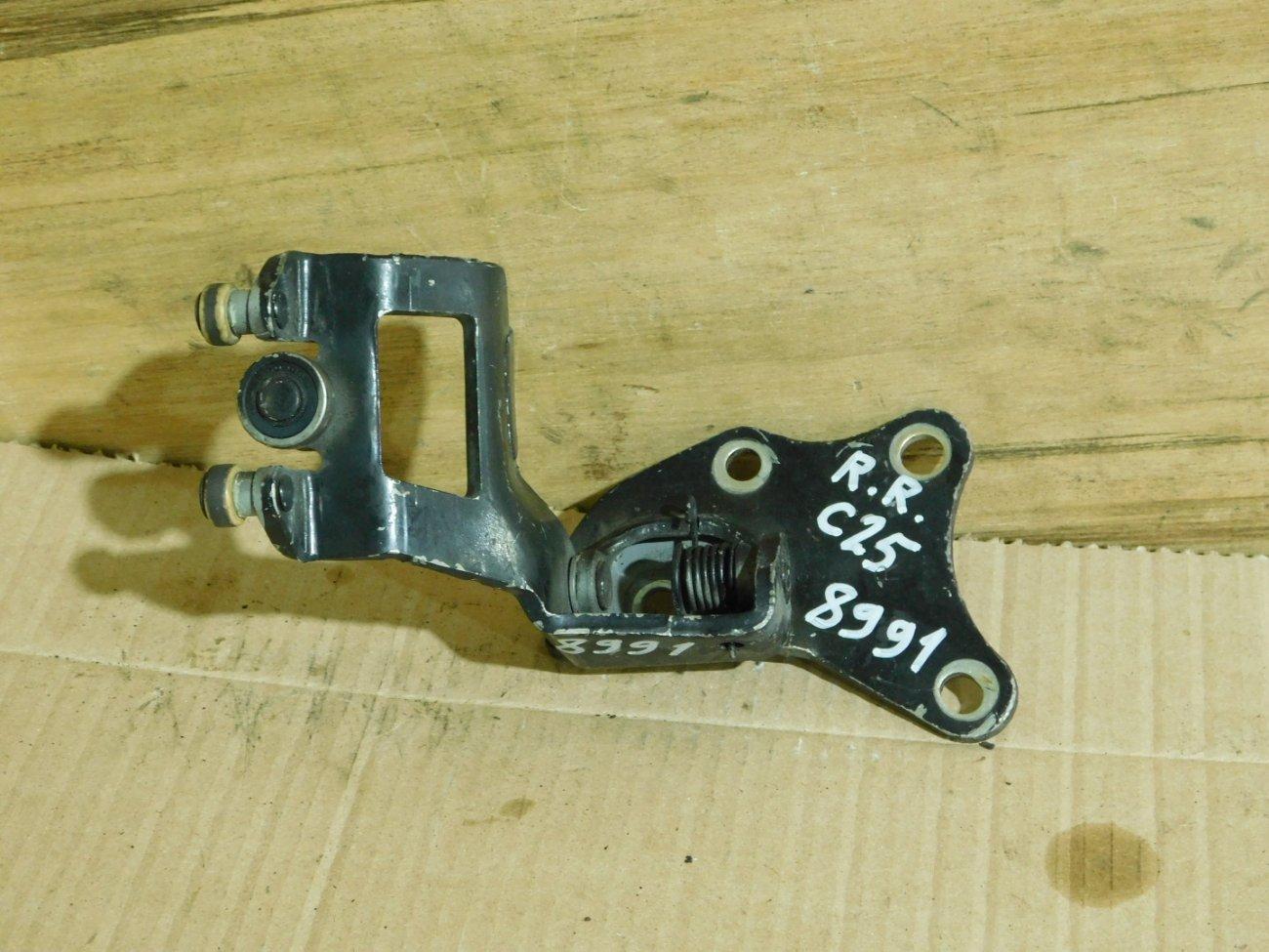 Ролик раздвижной двери Nissan Serena C25 QR20DE задний правый (б/у)