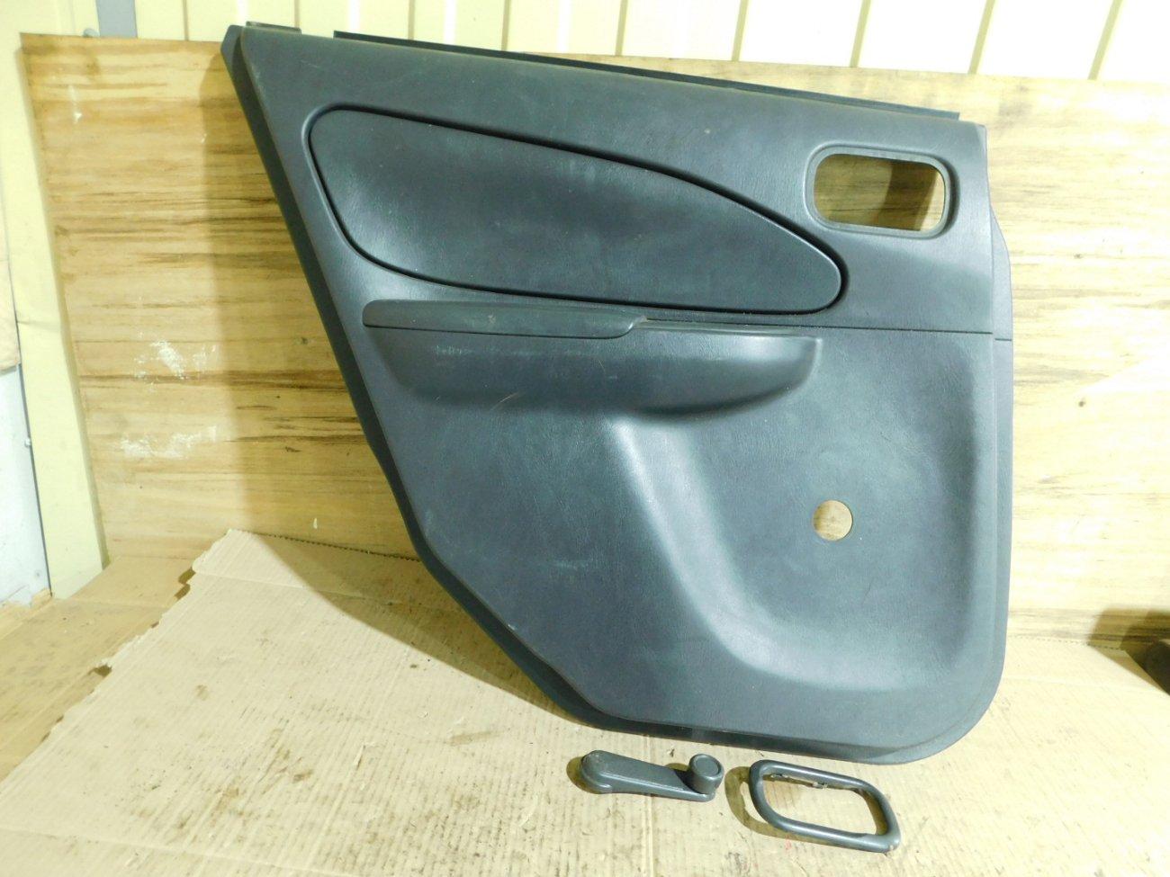 Обшивка дверей Nissan Ad VY11 задняя левая (б/у)