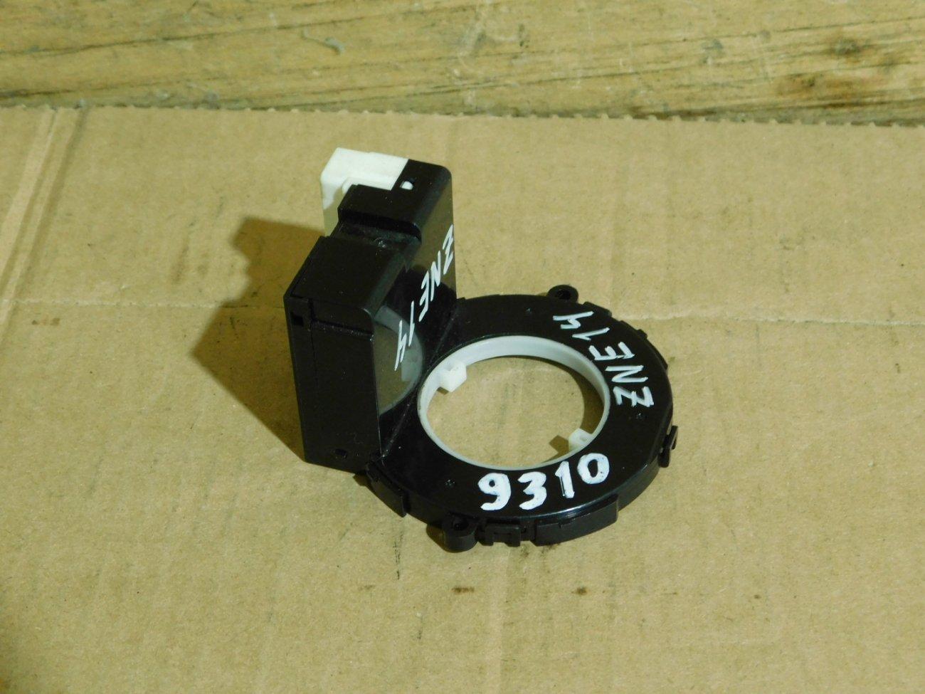Датчик положения руля Toyota Allex ACM21W 1ZZ-FE (б/у)