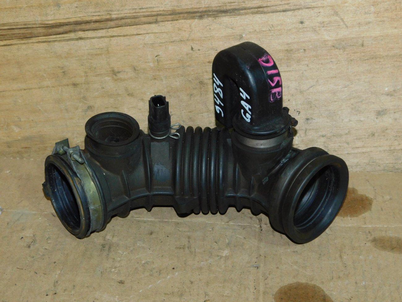Патрубок воздушного фильтра Honda Capa GA4 D15B (б/у)