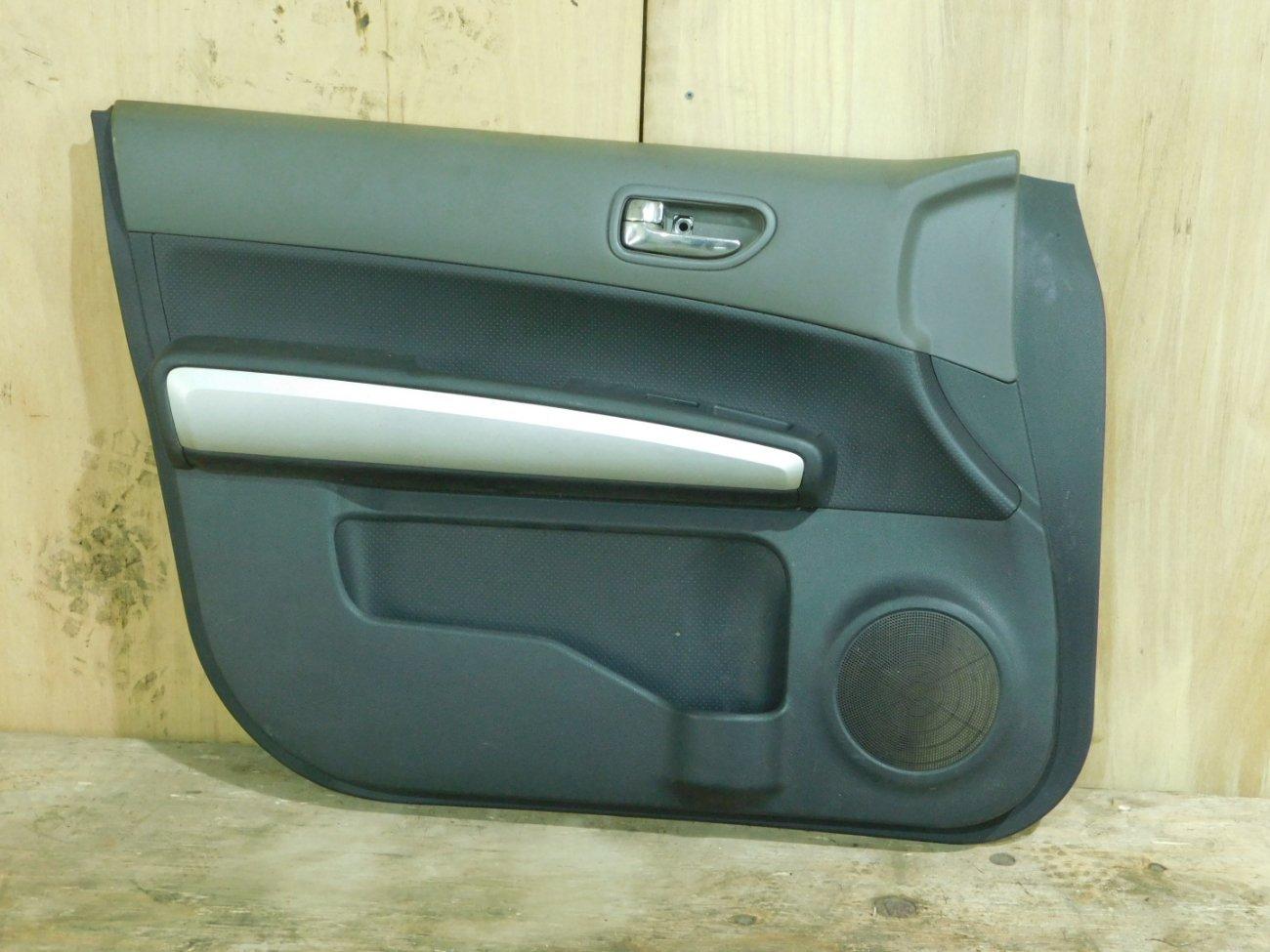 Обшивка дверей Nissan X-Trail NT31 MR20 передняя левая (б/у)