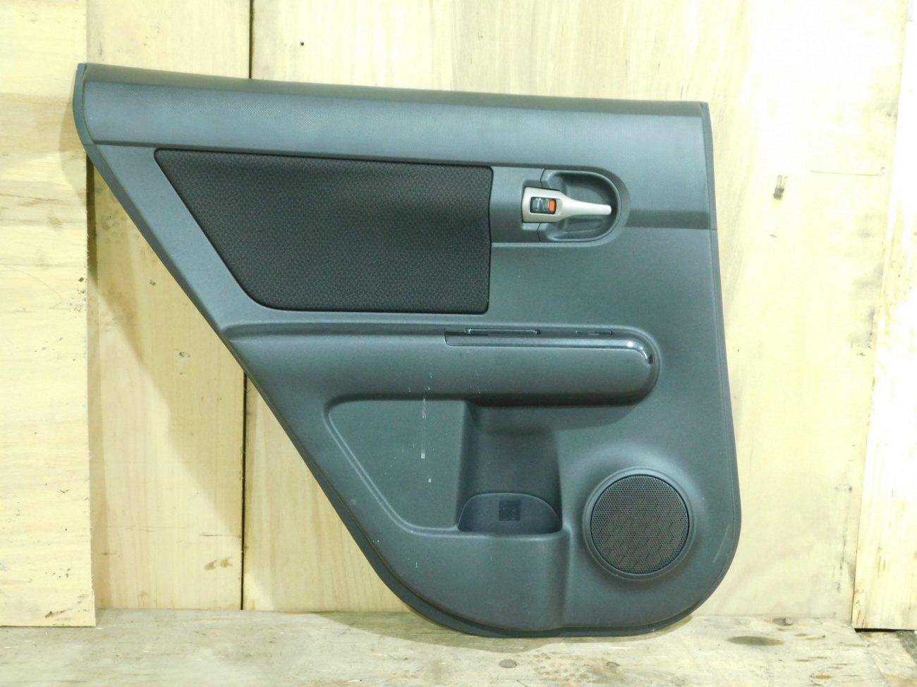 Обшивка дверей Toyota Corolla Rumion ZRE152 задняя левая (б/у)