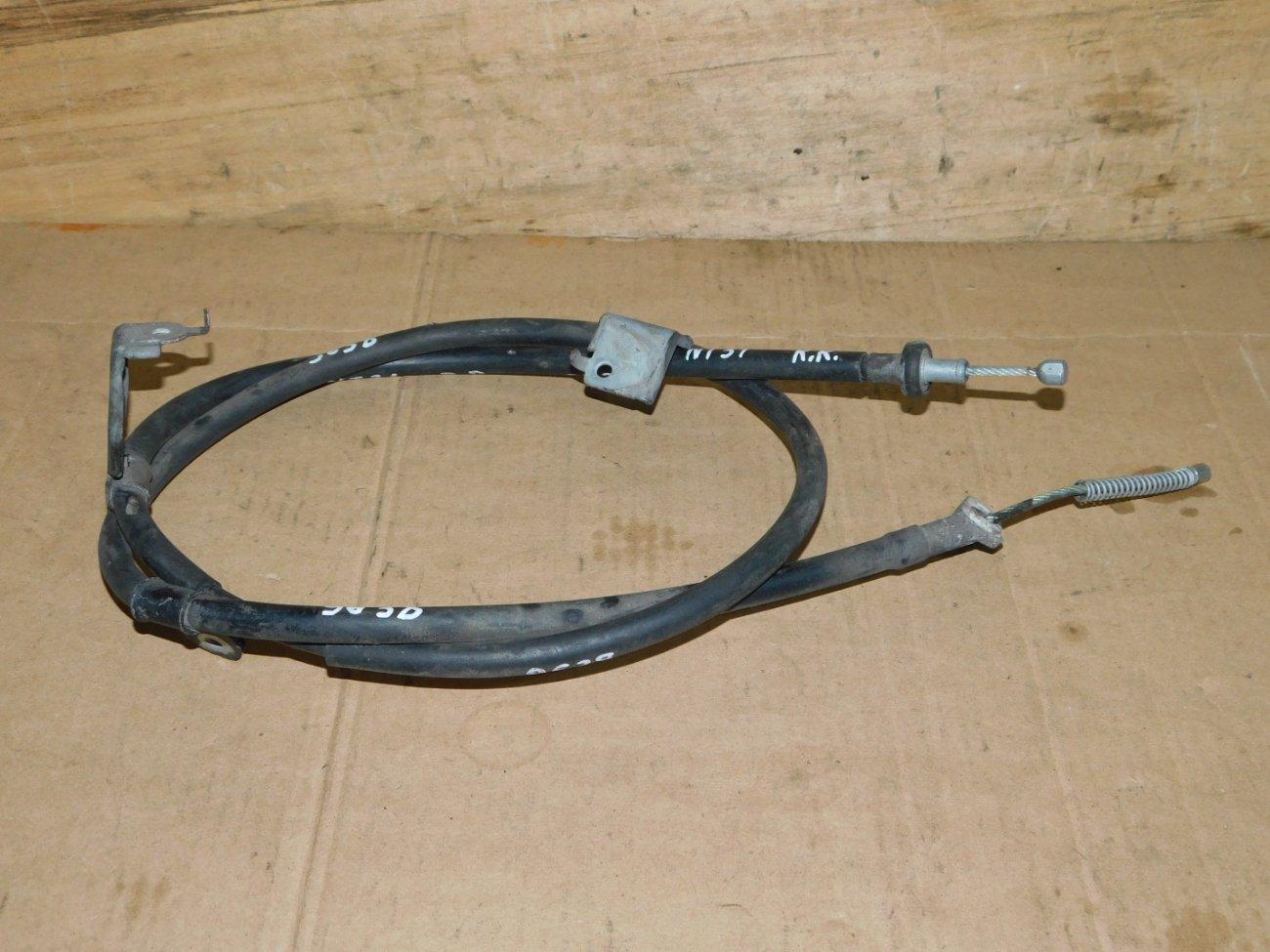 Тросик ручника Nissan X-Trail NT31 задний правый (б/у)