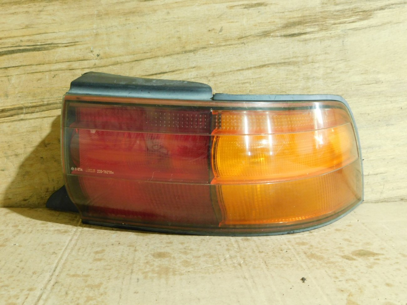Стоп-сигнал Toyota Camry SV30 4S-FE задний правый (б/у)