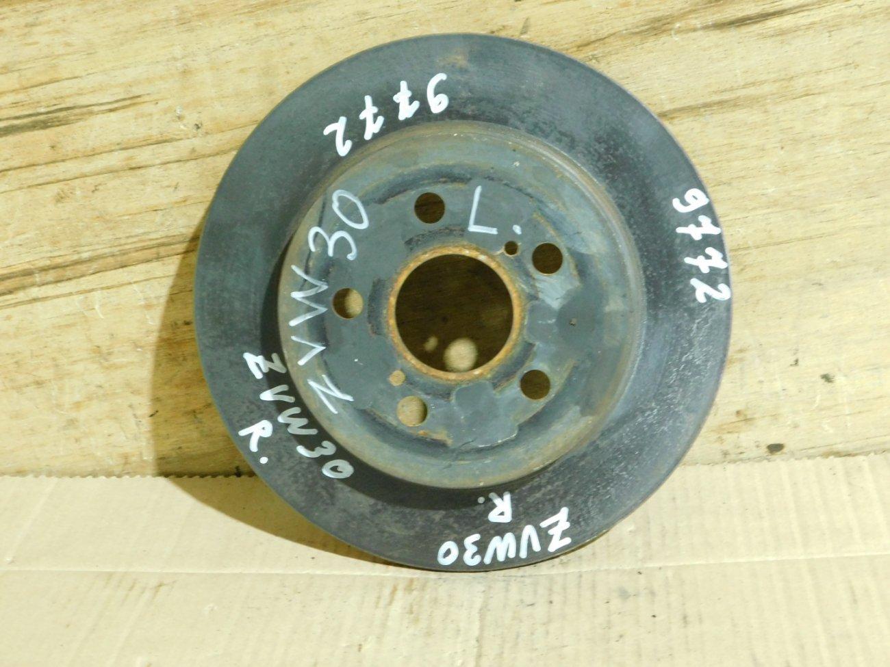 Тормозной диск Toyota Prius ZVW30 2ZR-FXE задний (б/у)