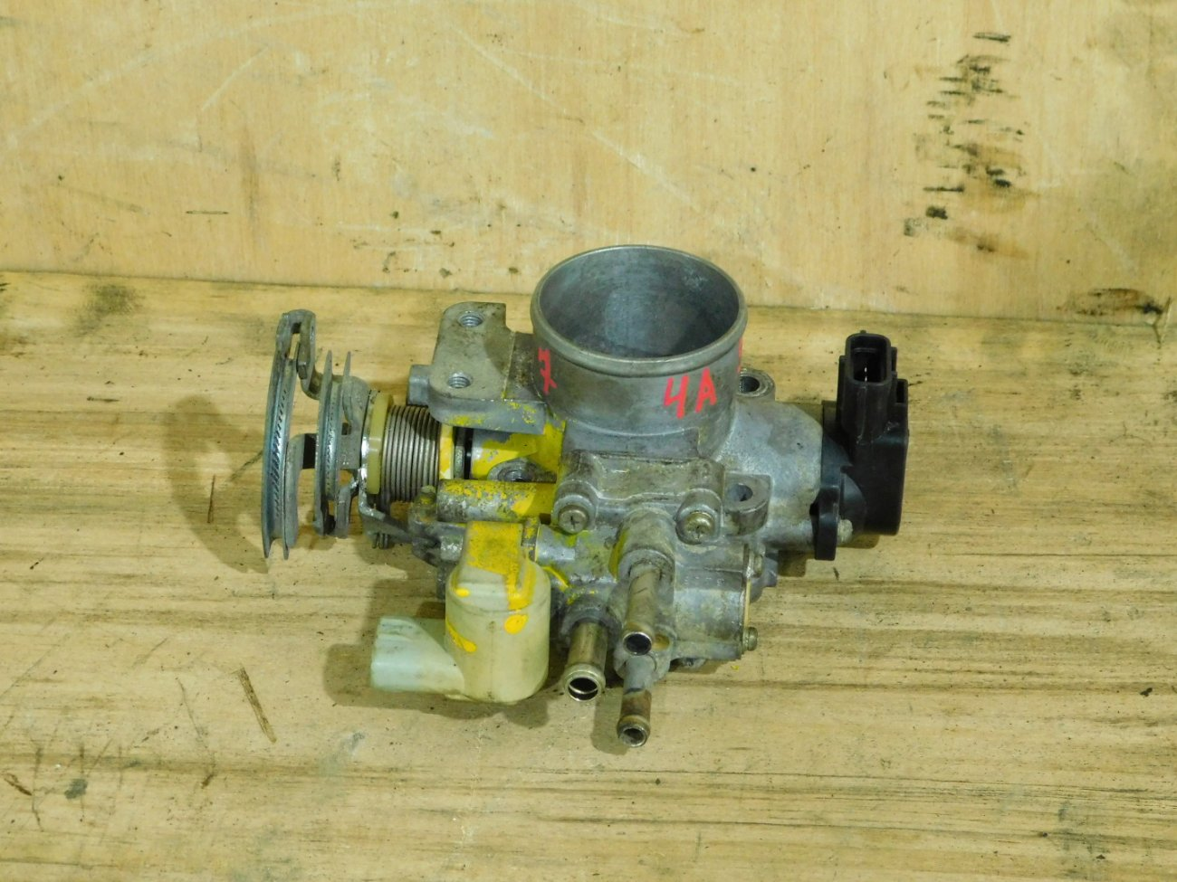 Дроссельная заслонка Toyota 4A-FE (б/у)