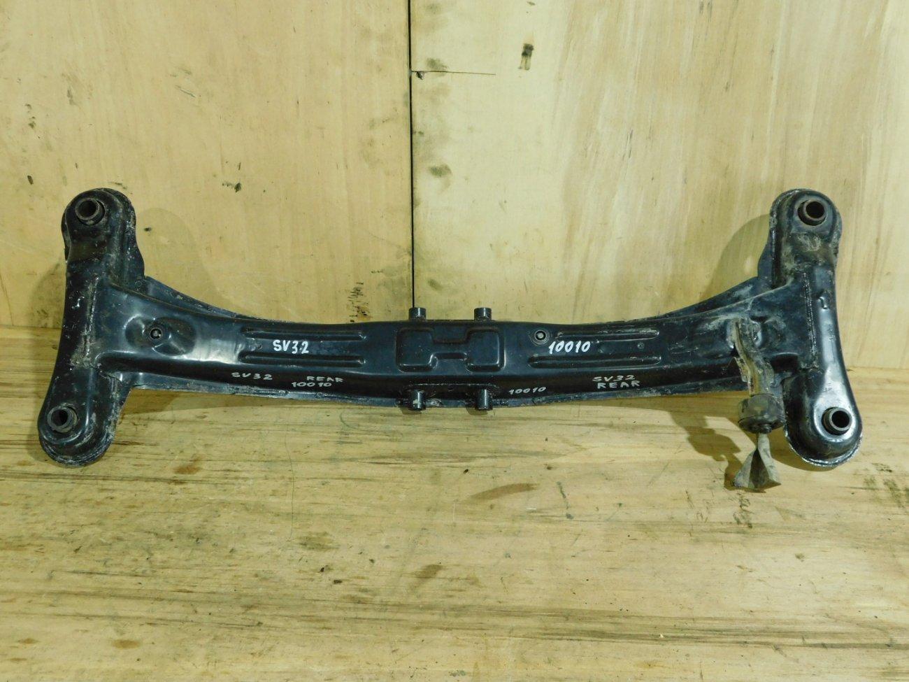 Балка подвески Toyota Vista SV32 3S-FE задняя (б/у)