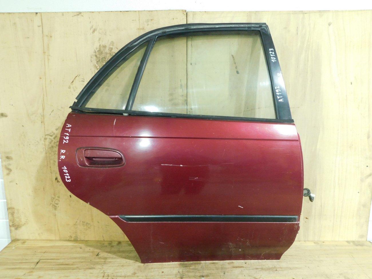 Дверь Toyota Carina AT192 задняя правая (б/у)
