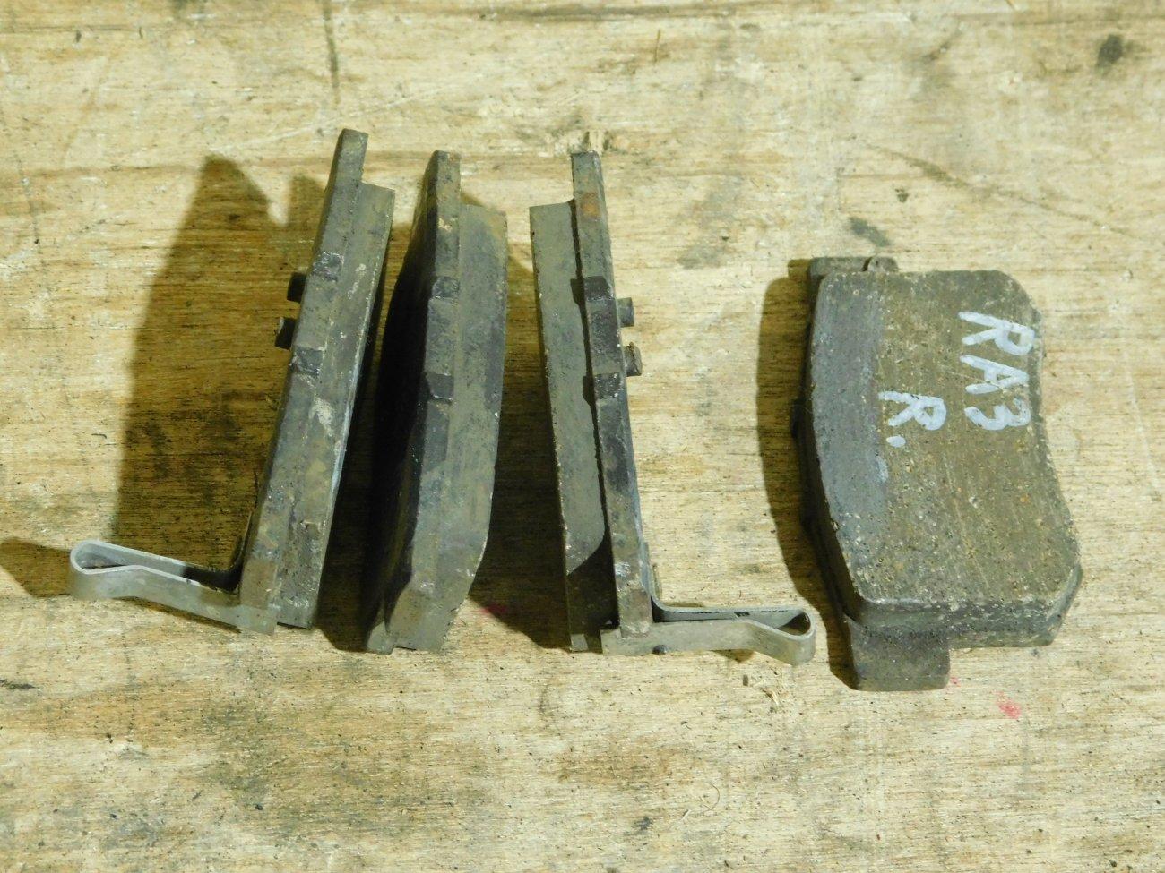 Тормозные колодки Honda Odyssey RA3 F23A заднее (б/у)