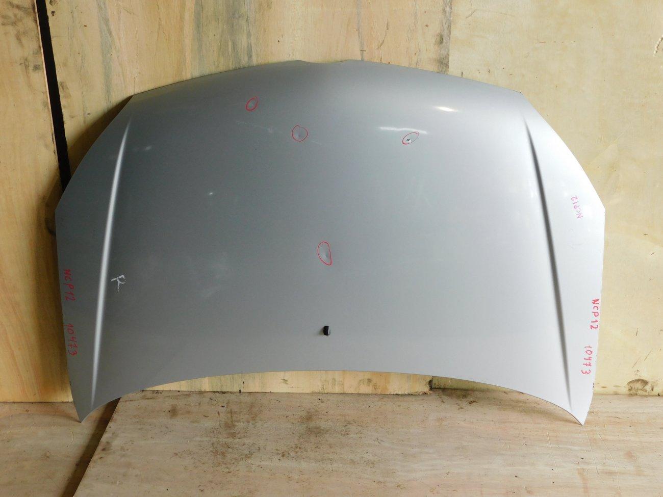Капот Toyota Platz NCP12 1NZ-FE (б/у)