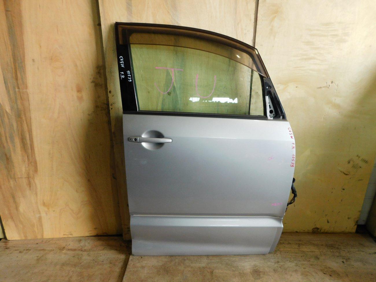 Дверь Mitsubishi Delica D-5 CV5W 4B12 передняя правая (б/у)