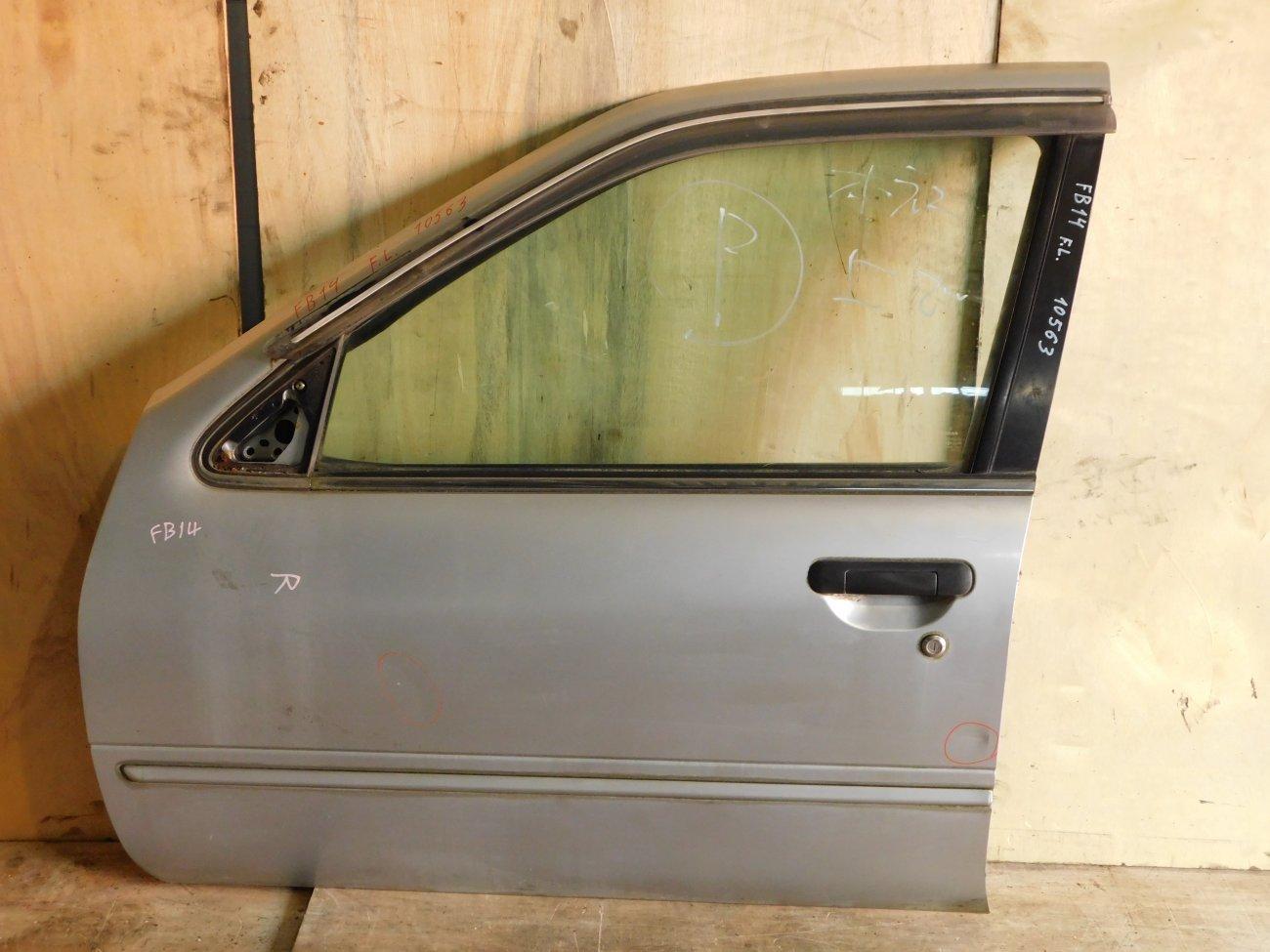 Дверь Nissan Sunny FB14 передняя левая (б/у)