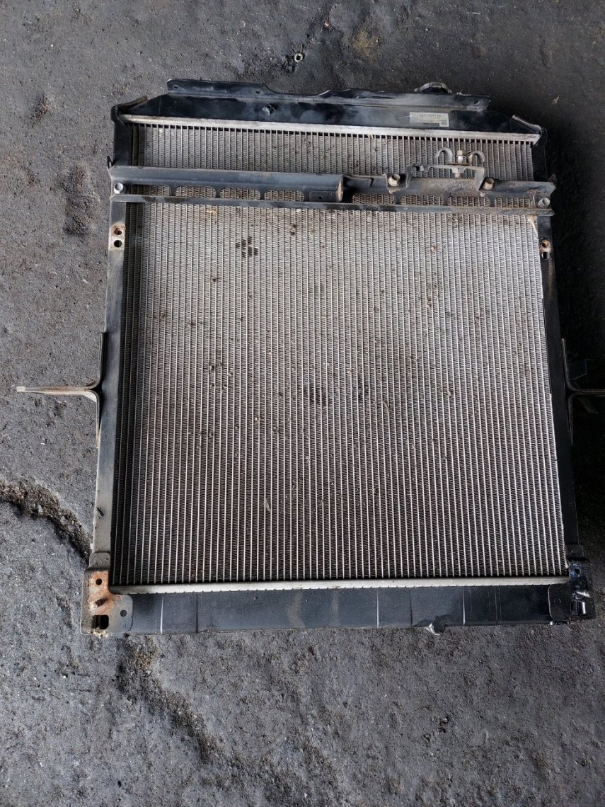 Радиатор основной Isuzu Forward FRR90 4HK1T (б/у)