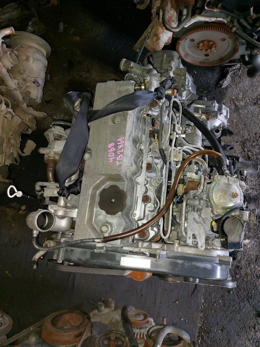 Двигатель Mitsubishi Chariot N28W 4D68T (б/у)