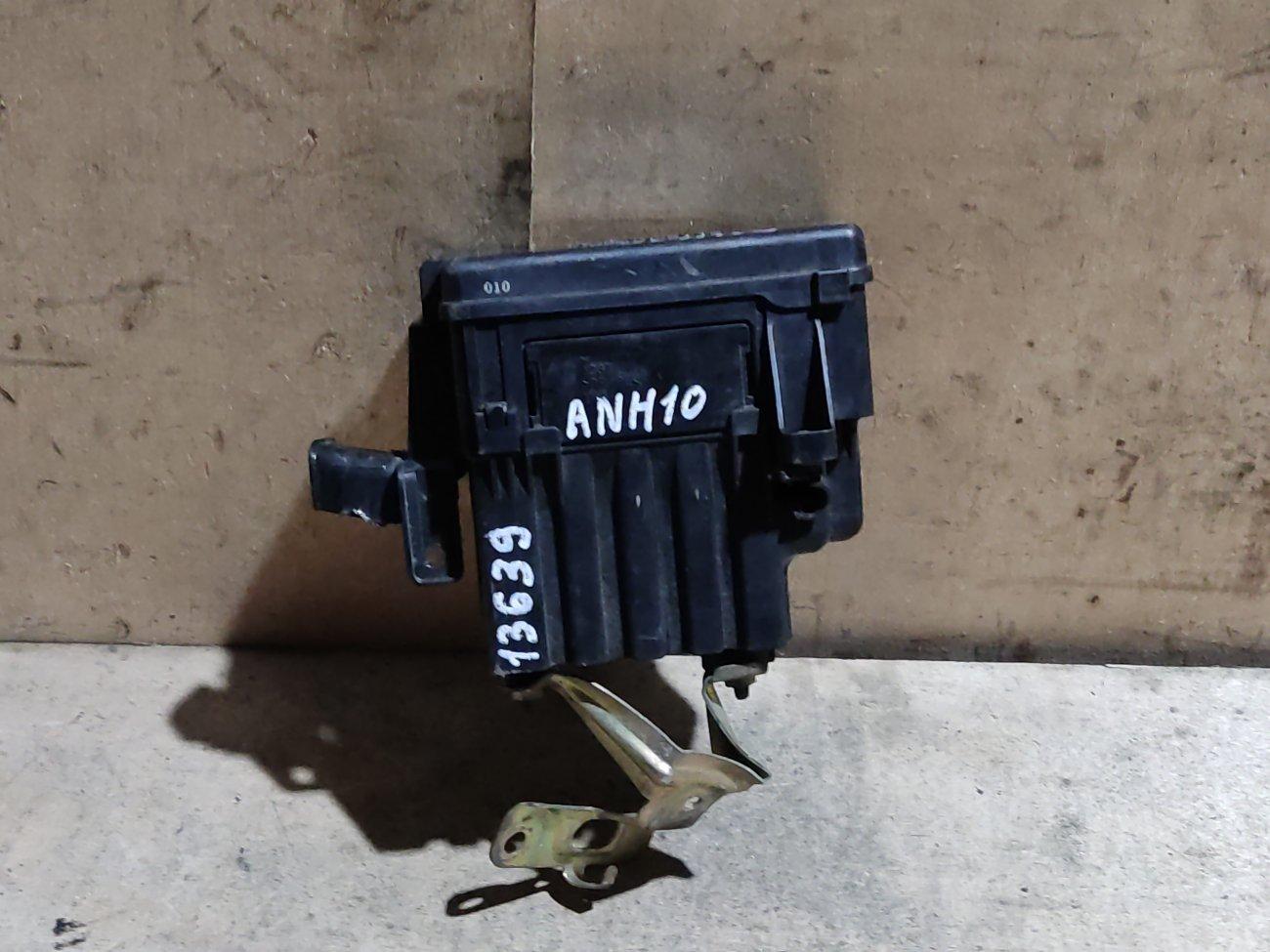 Блок предохранителей под капот Toyota Alphard ANH10 2AZ-FE (б/у)