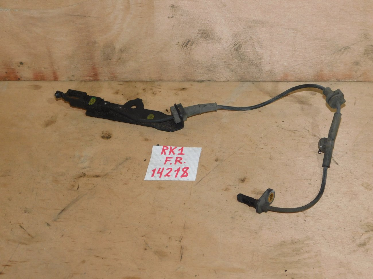 Датчик abs Honda Stepwgn RK1 R20A передний правый (б/у)