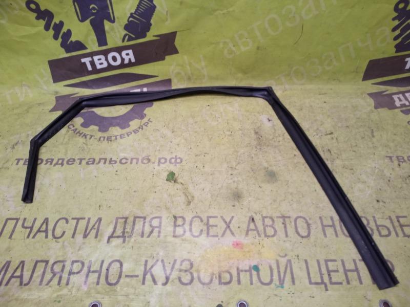 Уплотнитель стекла Kia Ceed 2 Hb ХЭТЧБЭК G4FA 2012 задний правый (б/у)