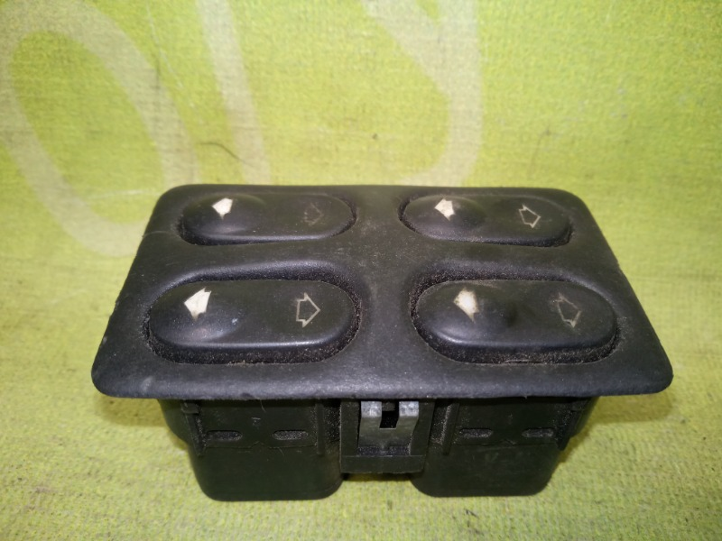 Блок стеклоподъемников Ваз 2110 1.5 8V 2004 (б/у)